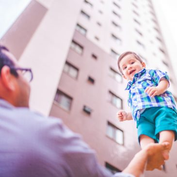 ¿Cómo ayudo a mi bebé a desarrollar su motricidad gruesa?