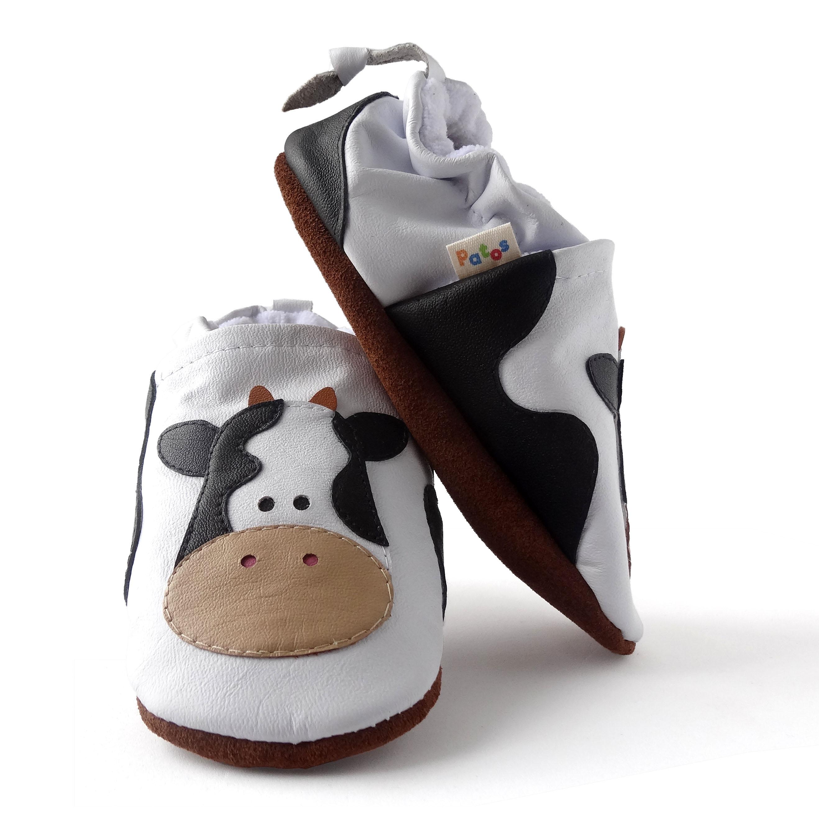 b2aa08ef27e49 Calzado para bebe sin suela. Diseño Vaca - Patos Zapatos